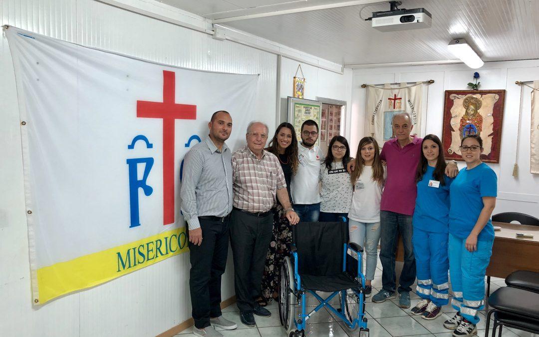 La Gis di Siracusa dona alla Misericordia di Melilli una sedia a rotelle